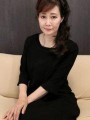 赤坂ルナ (喪服姿が色気を倍増させるおばさん) お節介な未亡人 : 赤坂ルナ
