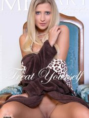 Treat Yourself : Lisa Dawn